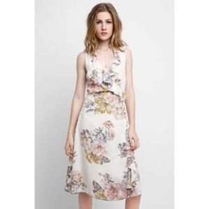 ABBELINE floral wrap dress size small